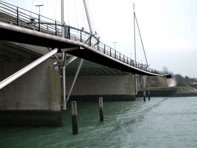 THE CAUSEWAY CYCLE / PEDESTRIAN BRIDGE, PORTSMOUTH